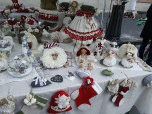 Mercatino natalizio bamboline